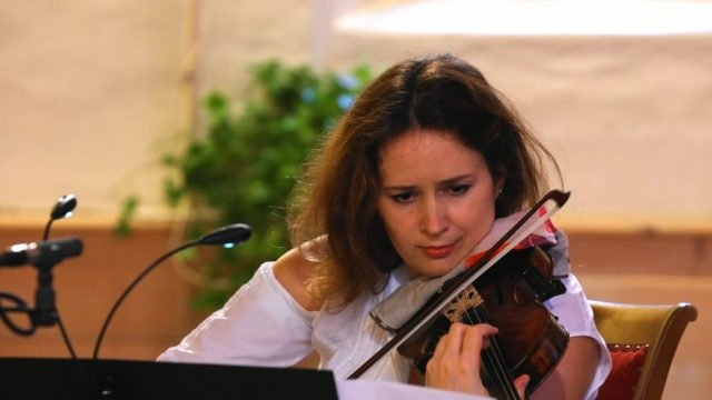 Patricia Kopatchinskaja plays Bartók