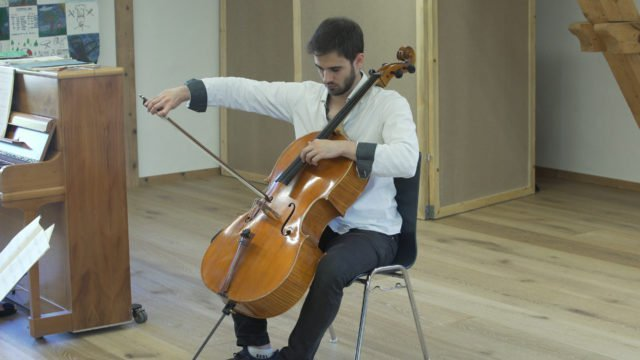 Masterclass with Ivan Monighetti – Alejandro Viana plays Elgar