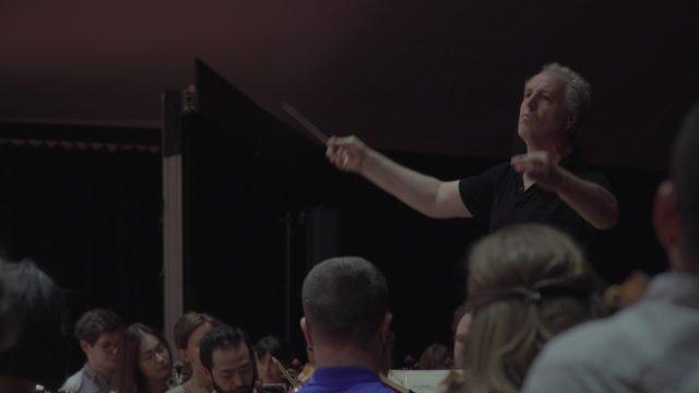 Manfred Honeck spricht über Gstaad und die Schlagtechnik von Carlos Kleiber